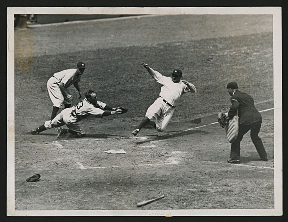 Baseball-Ruth-sliding-home